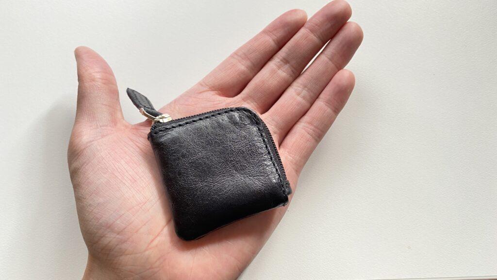 手のひらに収まるコインケース